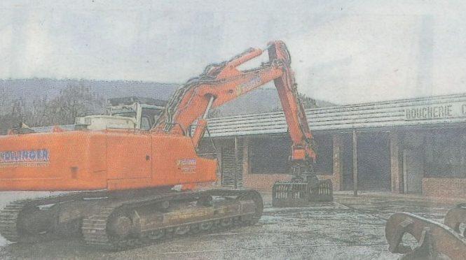 Travaux de déconstruction et de désamiantage d'un bâtiment